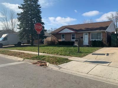 746 HILLCREST DR, Romeoville, IL 60446 - Photo 2