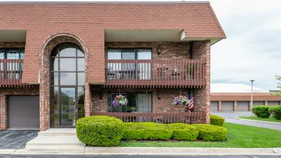 6337 CLARENDON HILLS RD APT 20, Willowbrook, IL 60527 - Photo 1