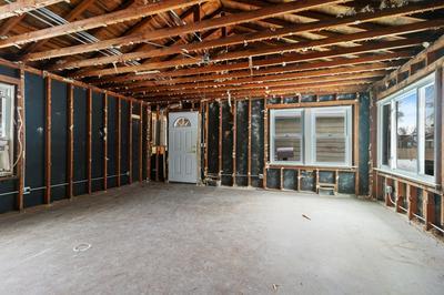 422 FAIRMONT AVE, LOCKPORT, IL 60441 - Photo 2