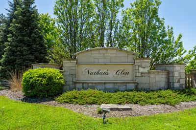 12 LEANDA CT, South Barrington, IL 60010 - Photo 2