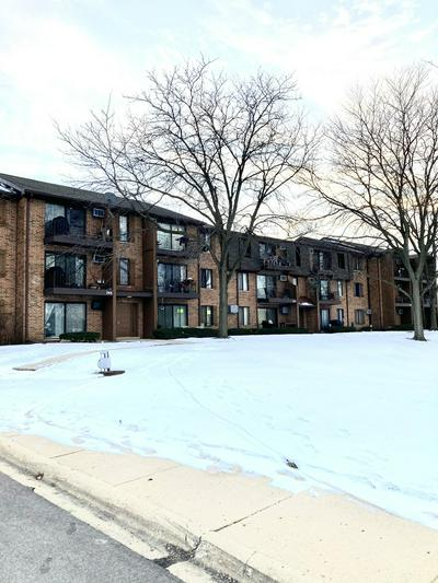 744 N BRIAR HILL LN APT 3, Addison, IL 60101 - Photo 2
