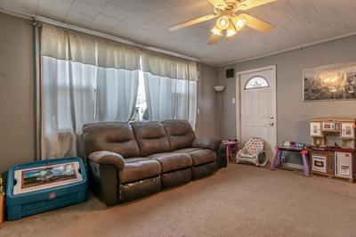 710 S KANKAKEE ST, Wilmington, IL 60481 - Photo 2
