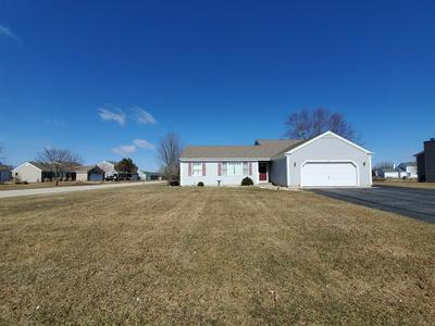 802 BUTTONWOOD CT, MARENGO, IL 60152 - Photo 1