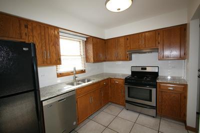 301 S RAVEN RD # 301, Shorewood, IL 60404 - Photo 2