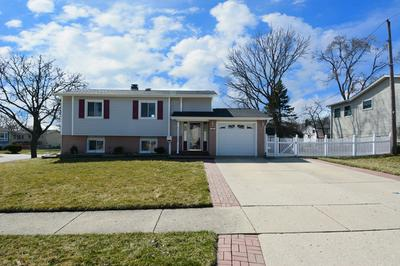 681 DICKENS AVE, GLENDALE HEIGHTS, IL 60139 - Photo 1