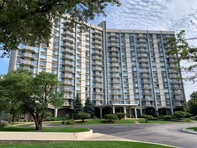 40 N TOWER RD UNIT 12N, Oak Brook, IL 60523 - Photo 1
