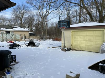 703 CIRCLE DR, University Park, IL 60484 - Photo 2