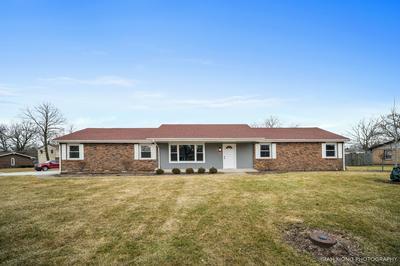 326 ARROWHEAD DR, Shorewood, IL 60404 - Photo 1