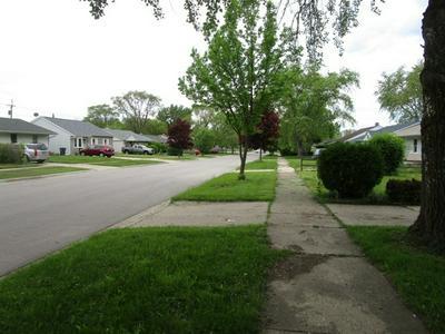 2115 JOPPA AVE, Zion, IL 60099 - Photo 2