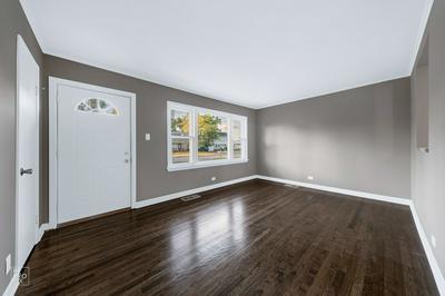 7841 SUBURBAN LN, Bridgeview, IL 60455 - Photo 2
