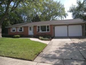 811 HOLYOKE CT, Schaumburg, IL 60193 - Photo 2