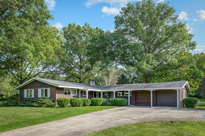 34W063 COUNTRY CLUB RD, St. Charles, IL 60174 - Photo 1