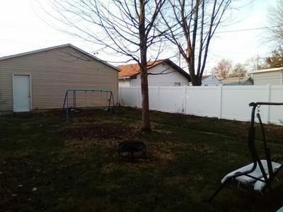 329 S DEARBORN AVE, Bradley, IL 60915 - Photo 2