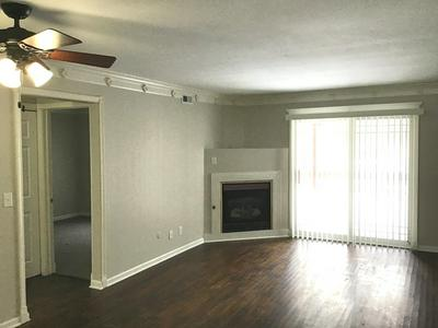 1970 TALL OAKS DR APT 1A, Aurora, IL 60505 - Photo 2