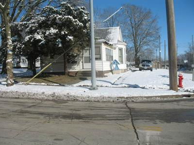 516 S MADISON ST, CLINTON, IL 61727 - Photo 1