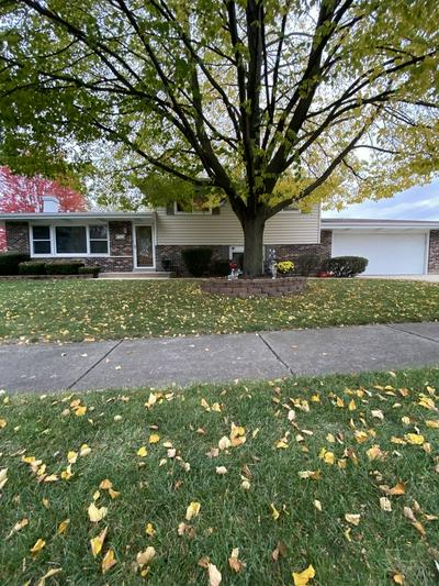 926 COTTONWOOD LN, Bartlett, IL 60103 - Photo 1