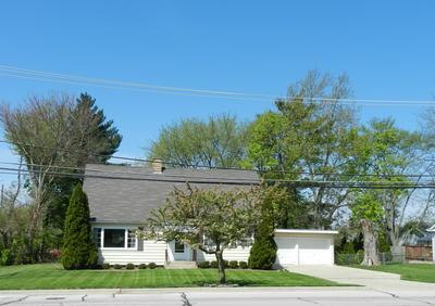 1054 CHURCH RD, Aurora, IL 60505 - Photo 2