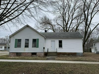 801 N MILL ST, PONTIAC, IL 61764 - Photo 1