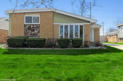 2406 W MARTINDALE DR, Westchester, IL 60154 - Photo 2