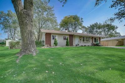 1685 BEDFORD RD, Hoffman Estates, IL 60169 - Photo 2