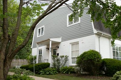 479 OLD SURREY RD # E, Hinsdale, IL 60521 - Photo 2