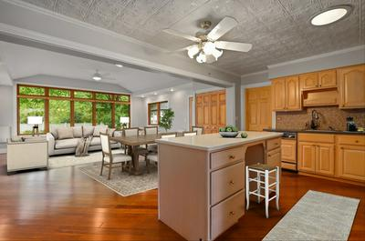 1650 PIERCE RD, Hoffman Estates, IL 60169 - Photo 2