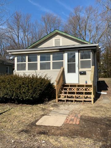 913 E ADAMS ST, CLINTON, IL 61727 - Photo 1
