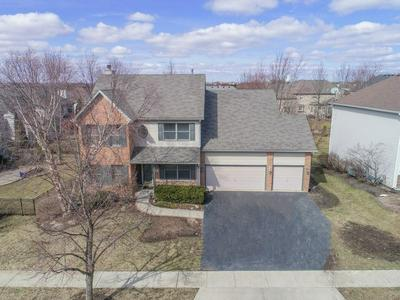 3 E SANDSTONE CT, SOUTH ELGIN, IL 60177 - Photo 2