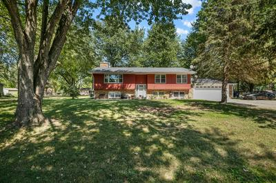 92 PARKWAY DR, Yorkville, IL 60560 - Photo 2