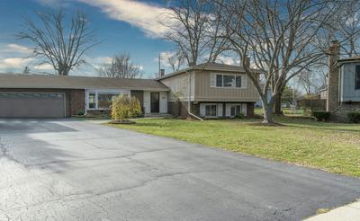 518 N CASTLE RD, Addison, IL 60101 - Photo 2
