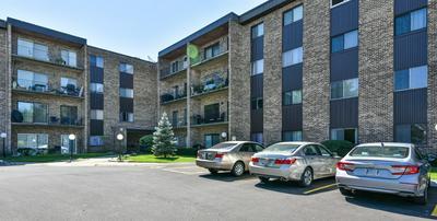 701 W HUNTINGTON COMMONS RD # 3, Mount Prospect, IL 60056 - Photo 1