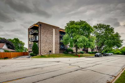 7100 W 95TH ST APT 303, Oak Lawn, IL 60453 - Photo 1