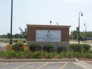 404 E MISSISSIPPI AVE, Elwood, IL 60421 - Photo 2
