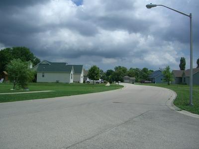 621 BETTY ST, Earlville, IL 60518 - Photo 2