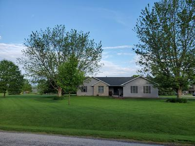 9 SAND LAKE CT, Monticello, IL 61856 - Photo 1