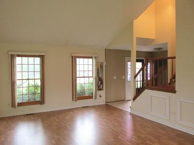 60 ORIOLE LN, Glendale Heights, IL 60139 - Photo 2