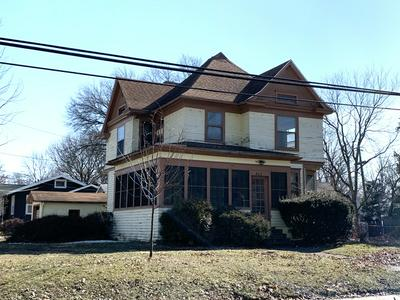 802 S MILL ST, PONTIAC, IL 61764 - Photo 2