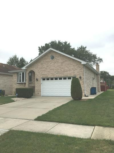 8320 MANSFIELD AVE, Burbank, IL 60459 - Photo 2