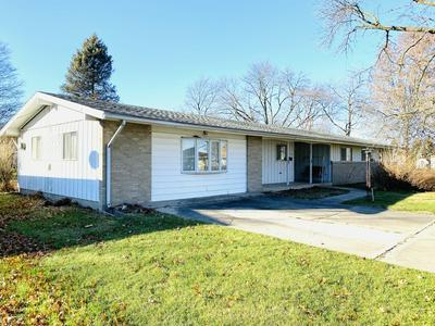 703 WILSON AVE, HOOPESTON, IL 60942 - Photo 1