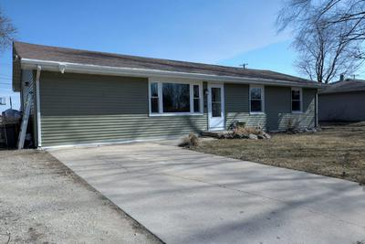 319 ERICKSON RD, ROCHELLE, IL 61068 - Photo 2