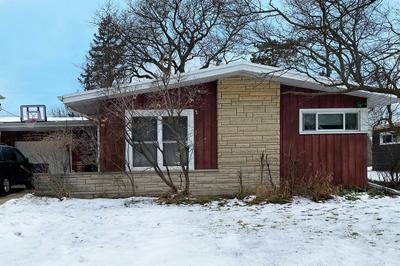 556 S FAIRFIELD AVE, Lombard, IL 60148 - Photo 1