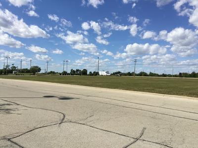 1 W LARAWAY RD, New Lenox, IL 60451 - Photo 2