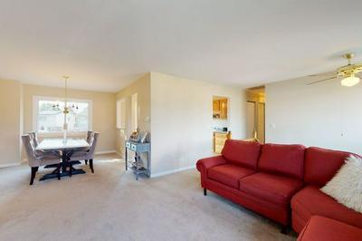 150 W SCHUBERT AVE, Glendale Heights, IL 60139 - Photo 2