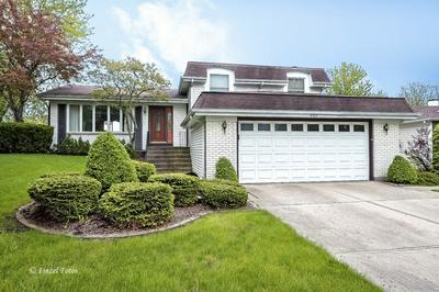 4525 MUMFORD DR, Hoffman Estates, IL 60192 - Photo 1