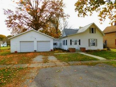 309 W CHESTNUT ST, FAIRBURY, IL 61739 - Photo 1