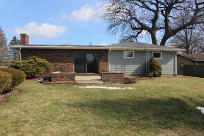 7205 SUNSET DR, CLINTON, IL 61727 - Photo 2