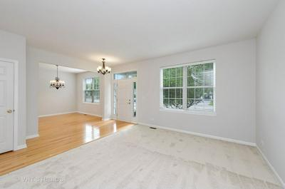 240 PARKSTONE DR, Cary, IL 60013 - Photo 2