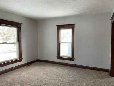 116 E GROVE ST, PONTIAC, IL 61764 - Photo 2