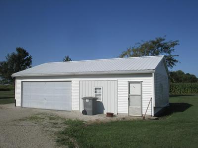2131 E COUNTY ROAD 1000 N, Newman, IL 61942 - Photo 2
