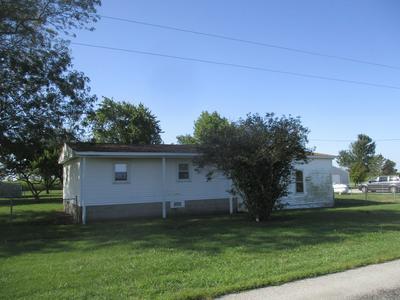 2131 E COUNTY ROAD 1000 N, Newman, IL 61942 - Photo 1